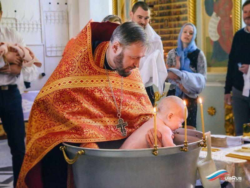 Крещение ребёнка в день его рождения: двойной праздник или предание анафеме?
