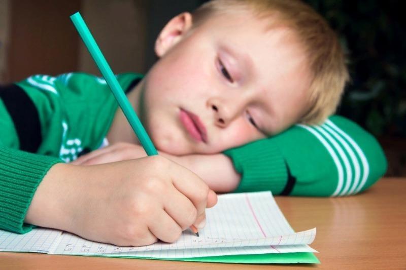 7 причин, почему ребенок сильно устает в школе