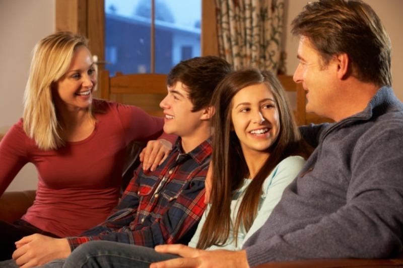 Как испортить отношения с подростком: вредные советы родителям