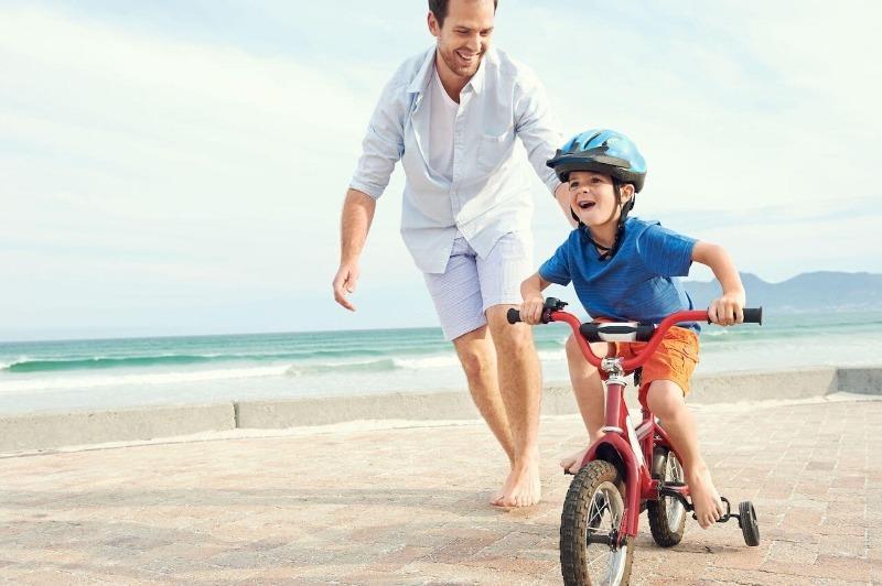 9 опасных вещей, которые родители, не осознавая, делают со своими детьми