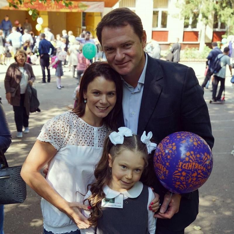 Дочь Марии Петровой и Алексея Тихонова