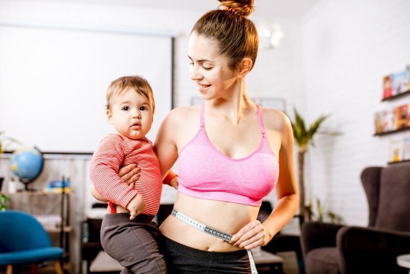 Даже не пробуйте: 5 способов похудеть после родов, которые точно не сработают