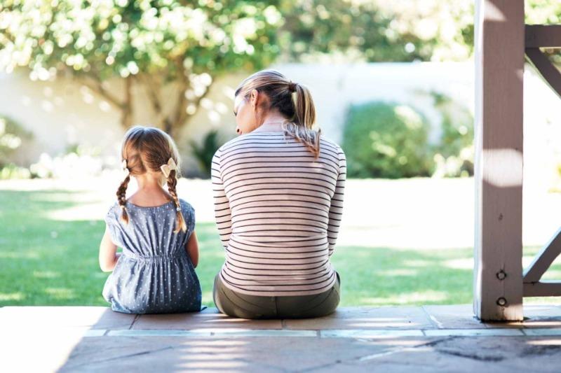 9 недетских тем, которые стоит обсудить со своим ребенком