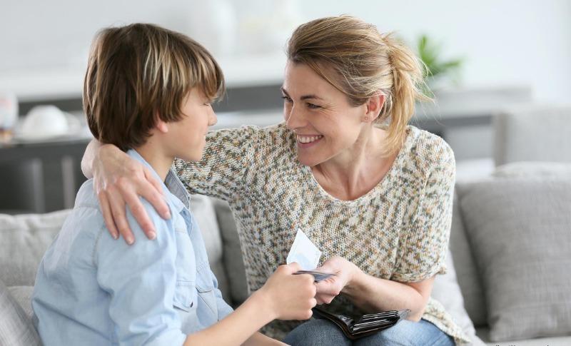 7 ошибок в финансовом воспитании, которые делают ребенка эгоистом