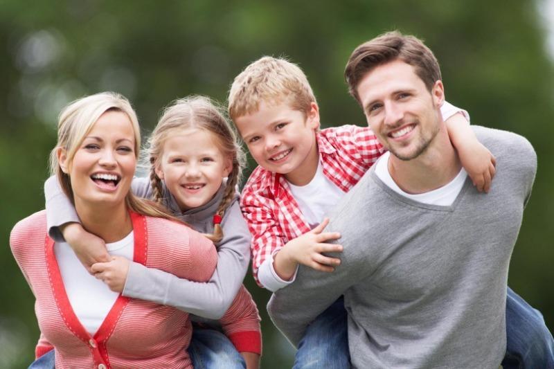 5 вещей, которые родителям нужно старательно скрывать от ребенка