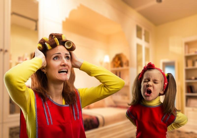 5 фраз, которые ни в коем случае нельзя говорить ребенку, когда у него истерика