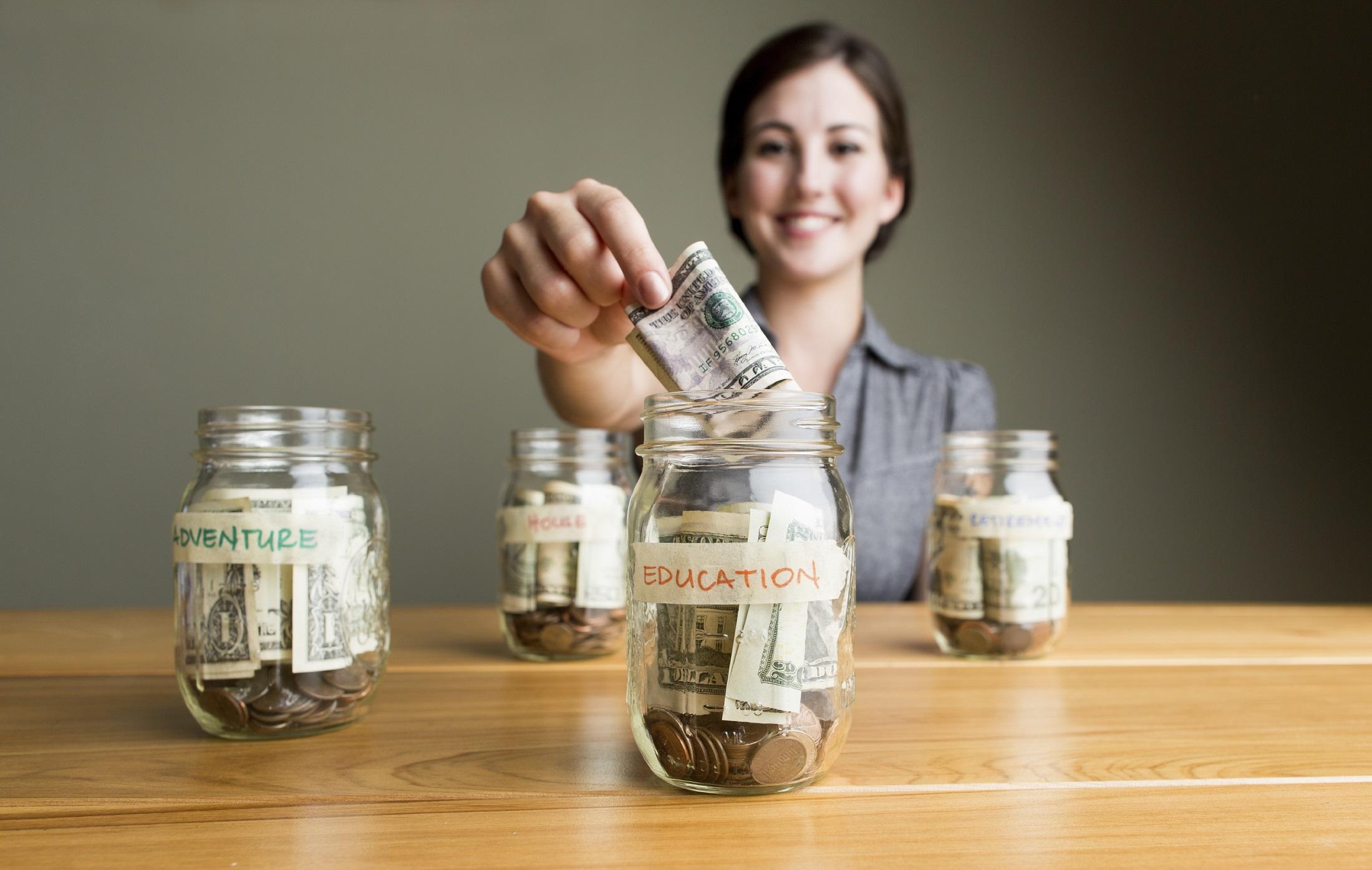 4 вещи, на которые заботливые родители копят деньги заранее