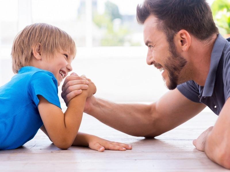 Пять вещей, которые папы умеют делать лучше мам
