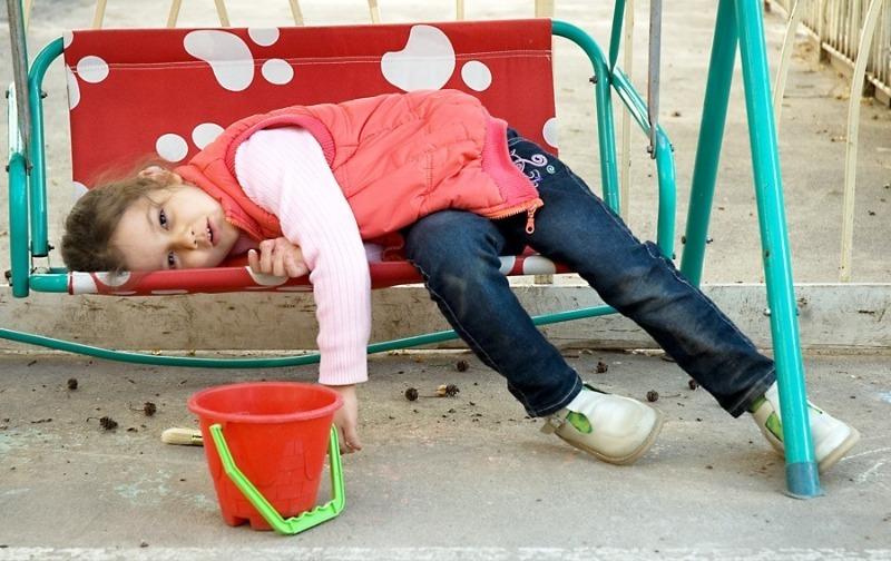 Усталость, заусенцы и еще 3 признака того, что ребенку не хватает витамина А