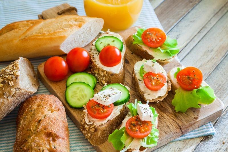 Растущий организм: лучшие продукты для завтрака подростка