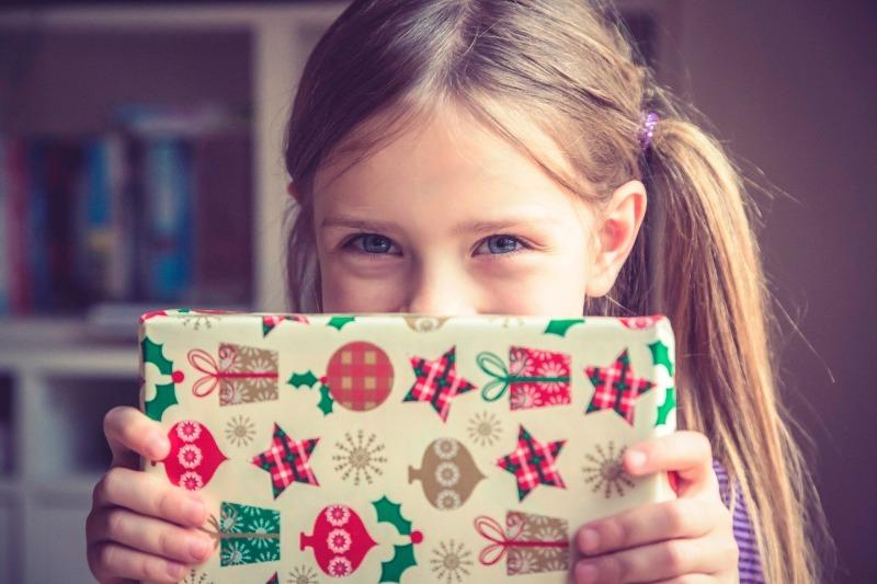 5 ситуаций, когда вредно покупать ребенку подарок