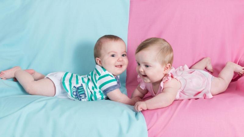 Кто придумал, что розовый цвет для девочек, а голубой для мальчиков