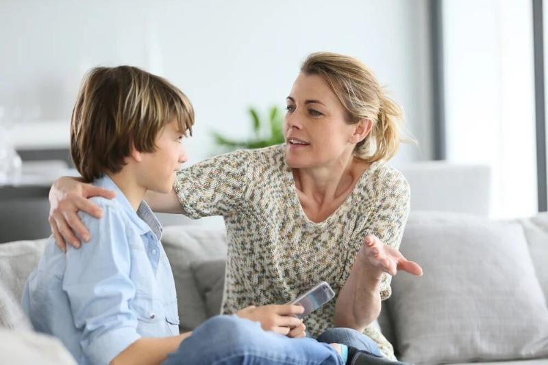 Платила сыну за оценки, а он теперь не хочет учиться