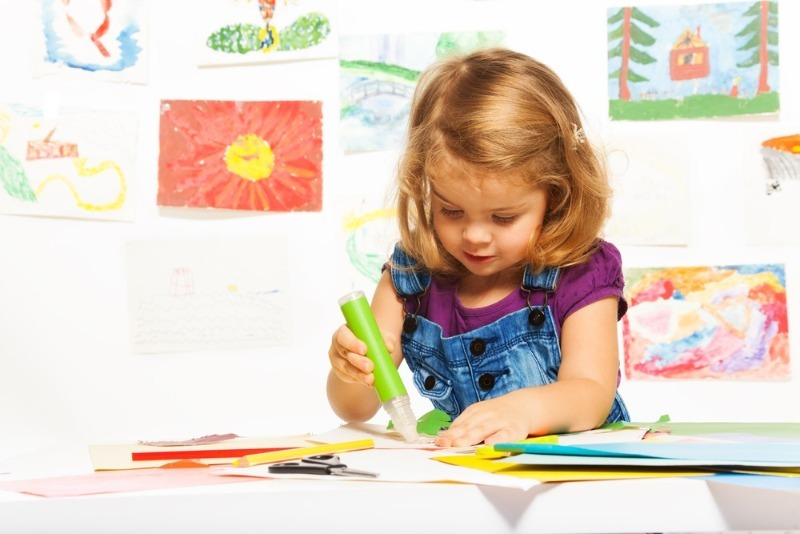 Вечер в тишине: 8 увлекательных игр с ручкой и бумагой, которые надолго займут детей