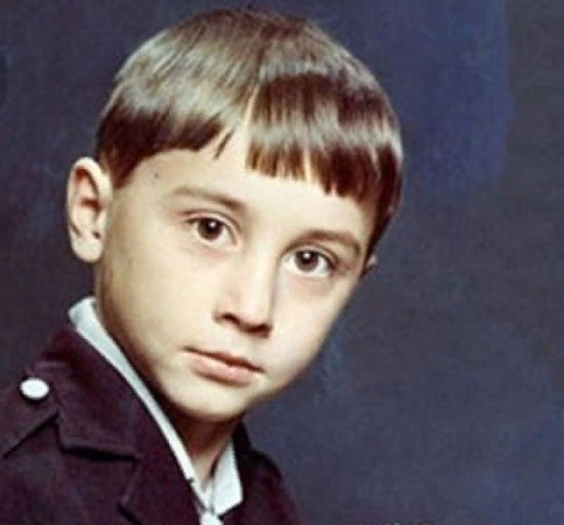 7 российских звезд, которых обидно дразнили в школе