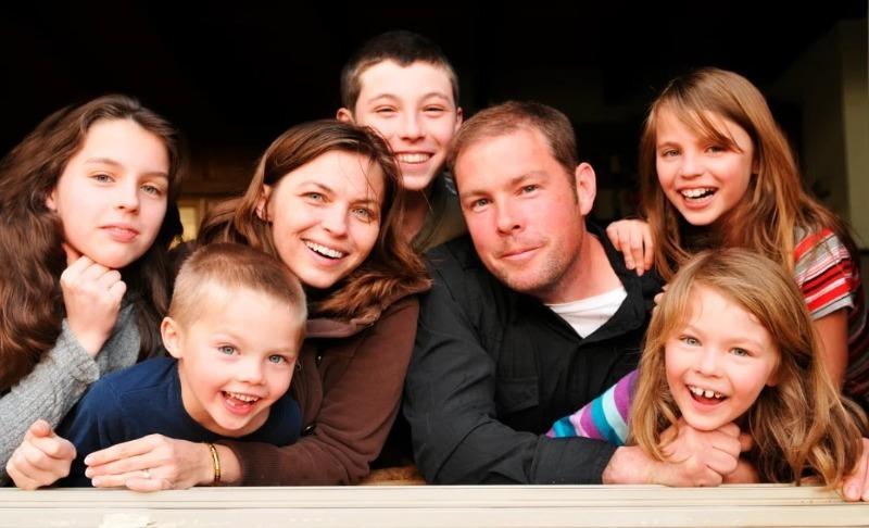 6 причин, по которым современным родителям нужно много детей