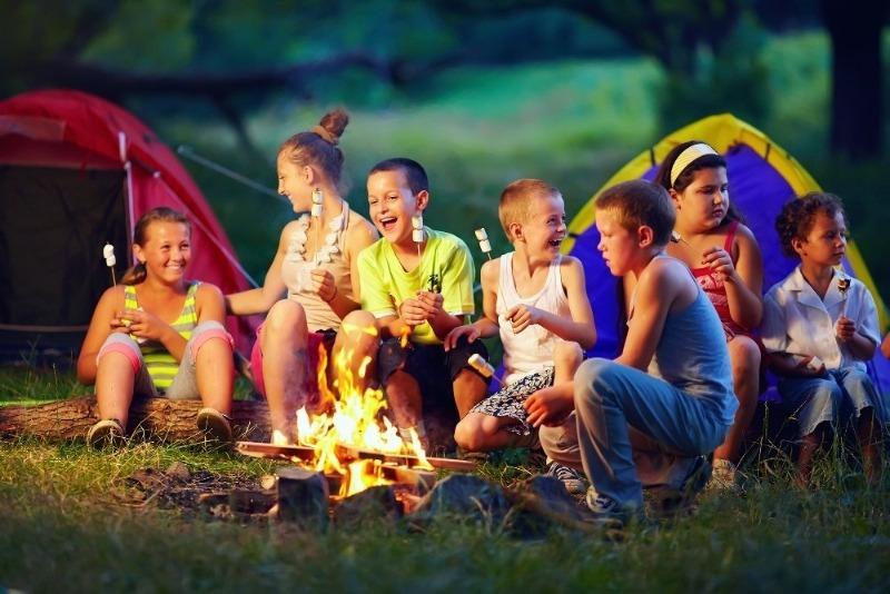 6 признаков того, что ребенок пока не готов к летнему лагерю