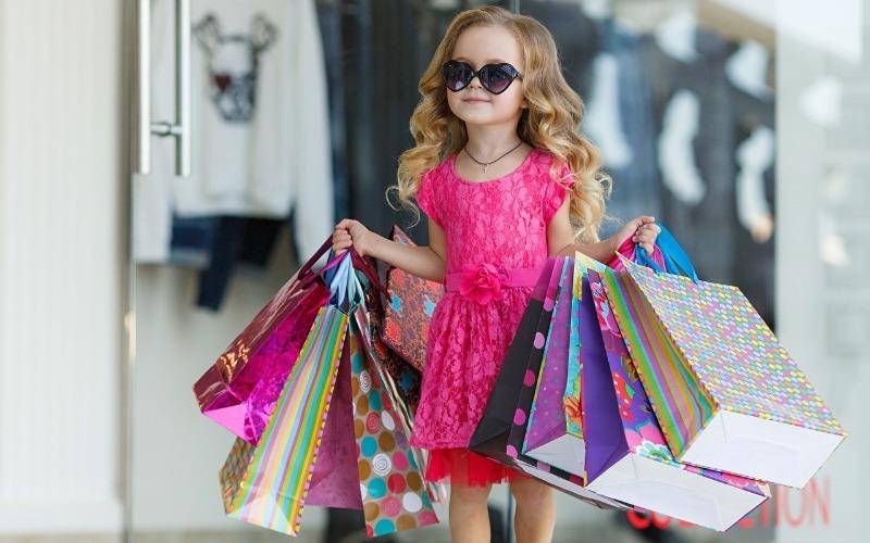 7 признаков бедного детства, которые разоблачают лучше всяких слов