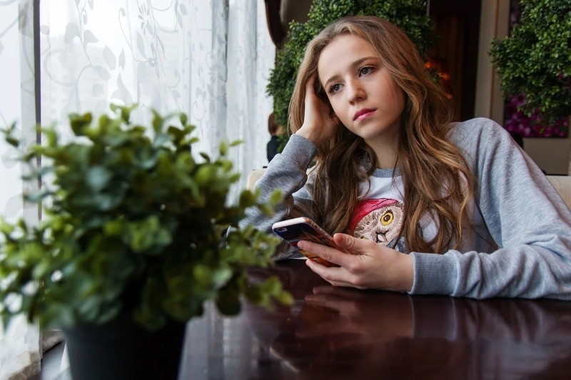 5 заблуждений, которые занижают самооценку у девочек-подростков