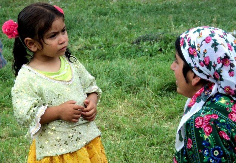 В 12 лет на работу и сразу замуж: как цыгане воспитывают детей