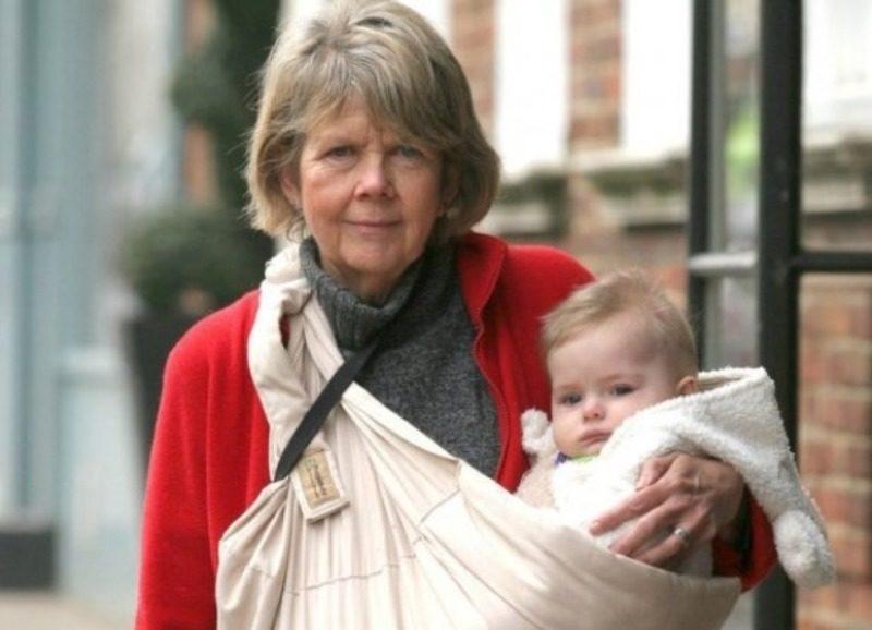 Больше бабушка, чем мама: 5 женщин, которые родили после 59 лет