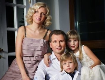 От Леонтьева до Укупника: как выглядят жены российских певцов