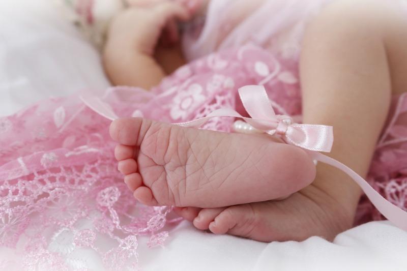 Как назвать девочку, рожденную осенью: 8 необычных имен с красивым значением
