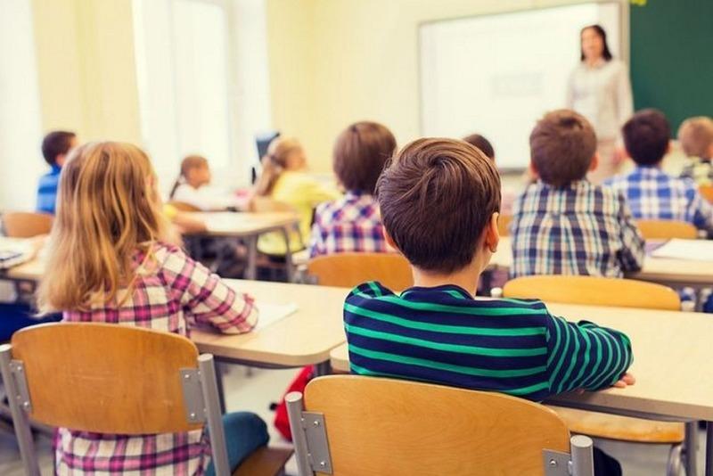 Школа снова будет воспитывать: внесены поправки в закон «Об образовании в РФ»