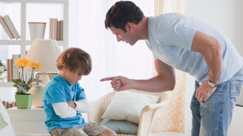 Как не вырастить тирана: 4 грубые ошибки в воспитании сына, которые могут изменить его будущее