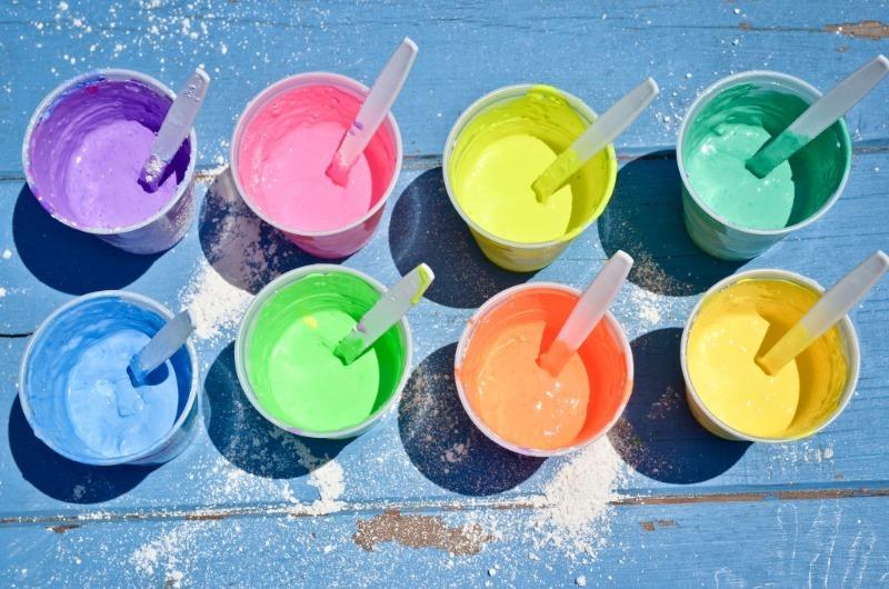 Как сделать дома кинетический песок, пальчиковые краски и другие предметы для творчества