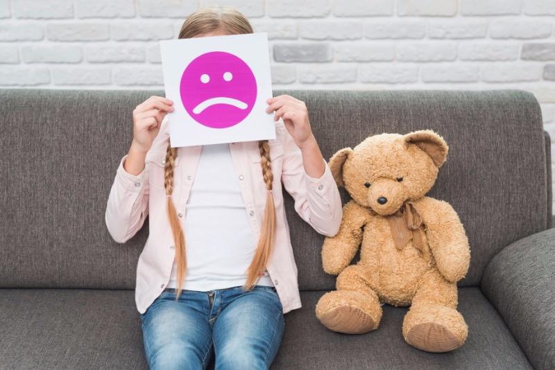 Язык тела: 5 привычек, которые расскажут о стрессе ребенка без лишних слов