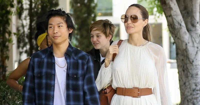 Привычка быть мамой: сколько всего детей у Анджелины Джоли