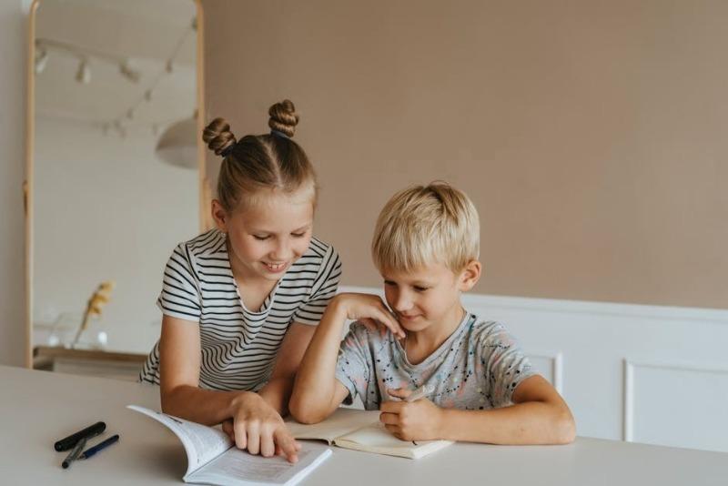 4 распространенные причины, из-за которых мальчики учатся хуже, чем девочки