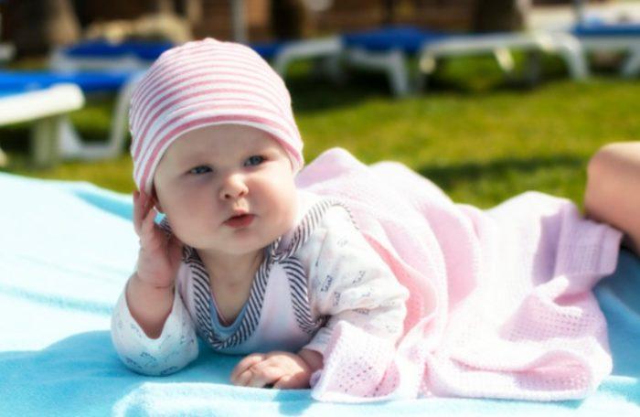 Солнцезащитные средства для детей до года и старше: рейтинг лучших, отзывы