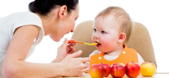 Как выбрать яблоки и готовое пюре для грудничка?