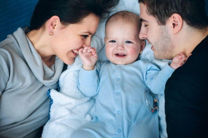 Малыш и семья