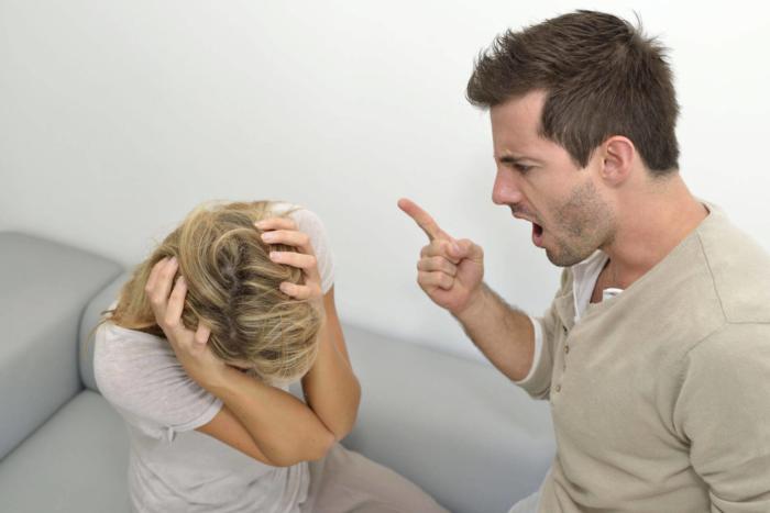Почему муж оскорбляет и унижает жену: психология, советы специалистов